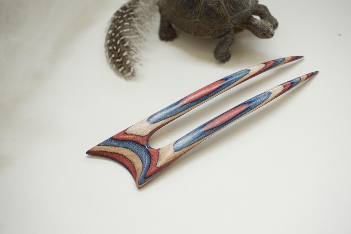 Patriotic Frogwood Hair Fork